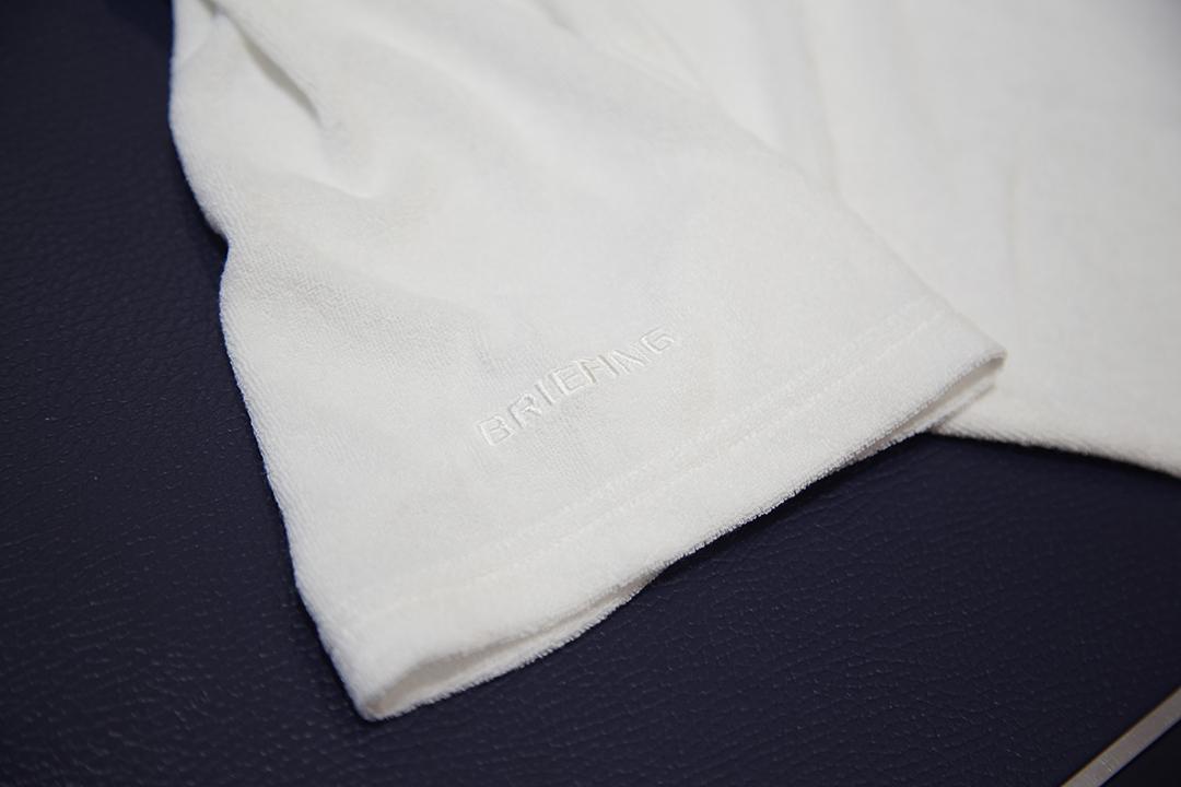 裾のロゴラベル