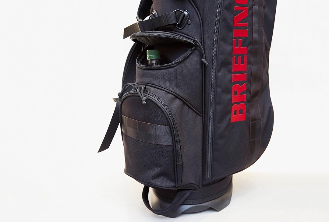 ペットボトル入れに最適な保冷機能付きポケットもあり